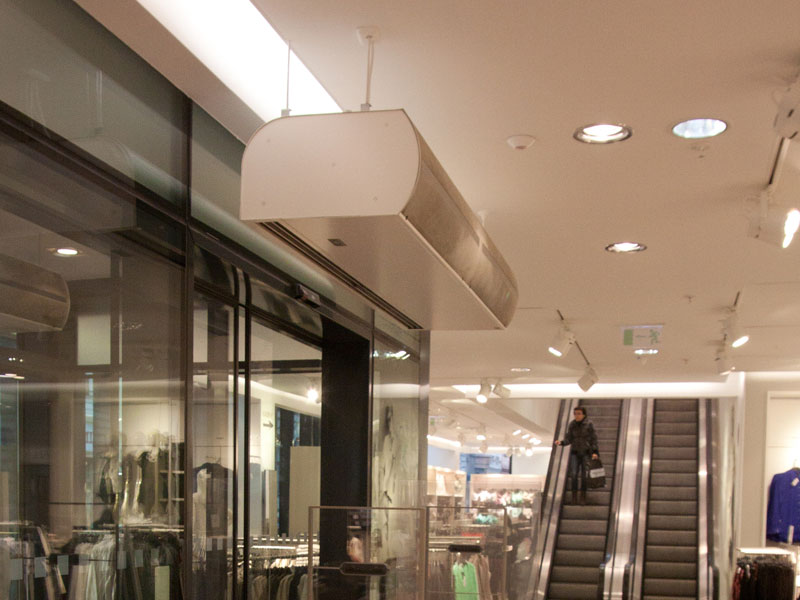 Standesse air curtain at Moritz Shopping Centre, Czech Republic
