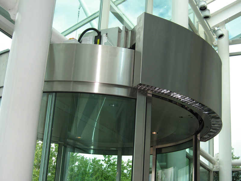 Revolving door air curtain