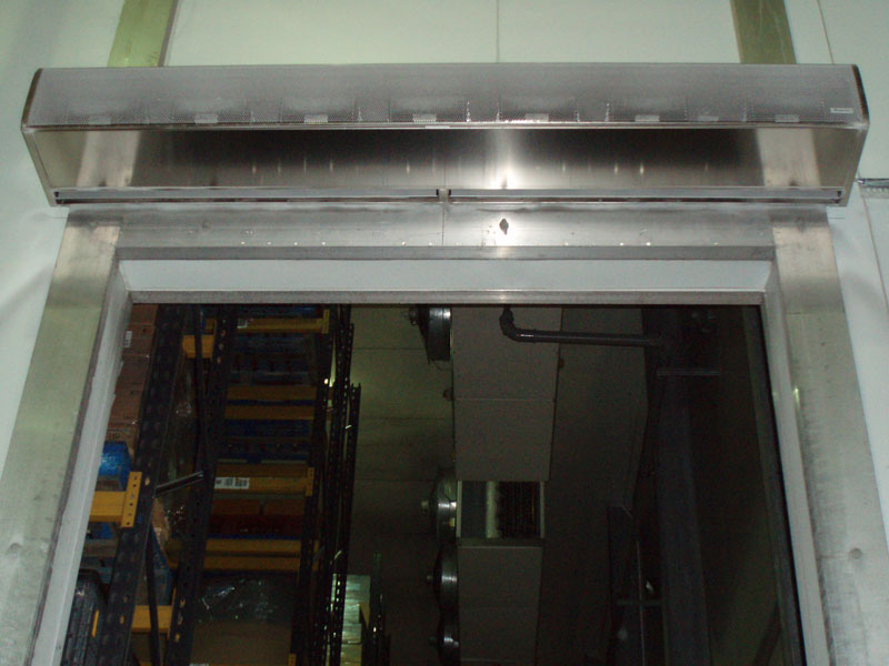 Cold store air curtain at Zwetsloots